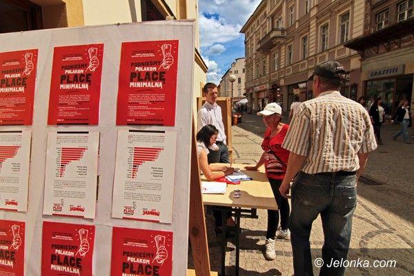 """JELENIA GÓRA: """"Solidarność"""" żąda wyższej płacy minimalnej"""