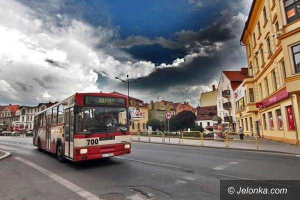"""JELENIA GÓRA: W oczekiwaniu na autobusową """"rewolucję"""""""