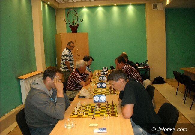 Jelenia Góra: Pracownicy oświaty zagrali w szachy