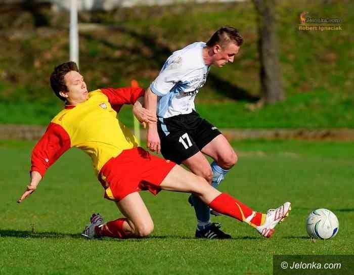 IV-liga piłkarska: Karkonosze znów lepsze od Piasta o dwie bramki