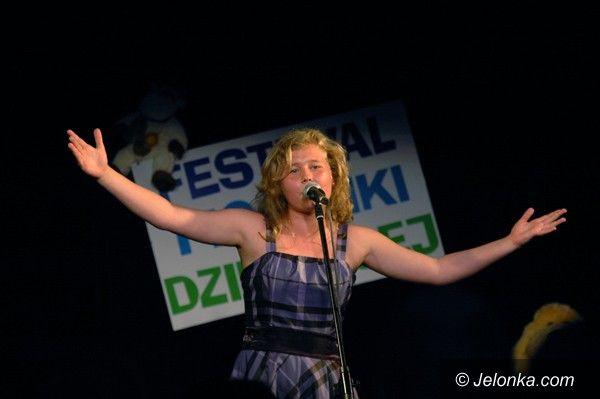 JELENIA GÓRA: Śpiewająco w Osiedlowym Domu Kultury