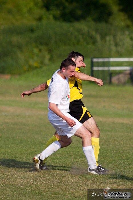 IV-liga piłkarska: Wiosną nie ma mocnych na Karkonosze – fotorelacja z meczu