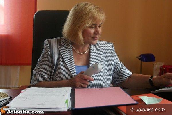 Jelenia Góra: Zamieszanie z podwyżkami dla obsługi i administracji szkół