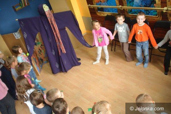 Jelenia Góra: Przedszkolaki  w teatrze