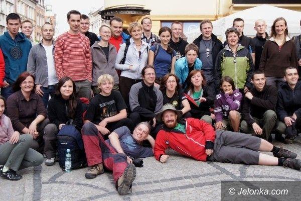 JELENIA  GÓRA: 100 km w trzy dni! Na piechotę z Gildią Sudecką
