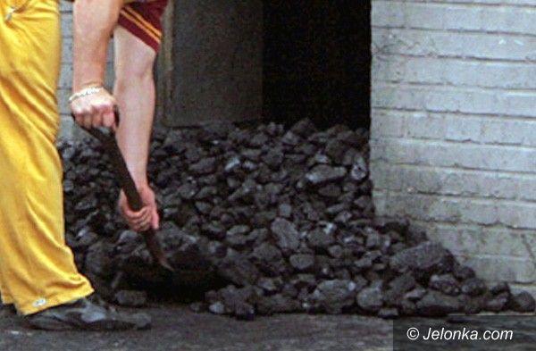 JELENIA GÓRA: Oszukana przez nieuczciwego sprzedawcę węgla