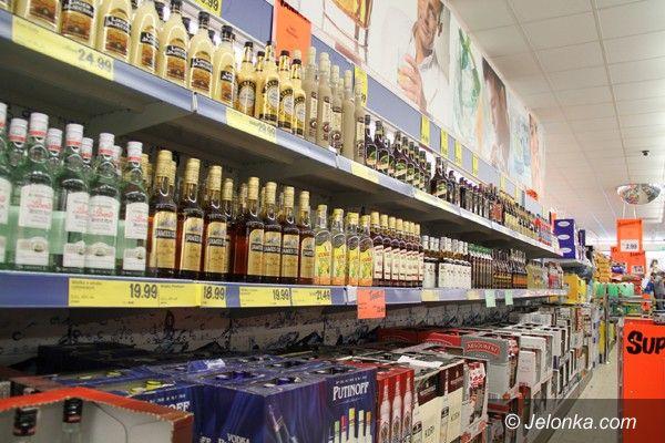 JELENIA GÓRA: Alkohol łatwiej dostępny: w marketach i pociągach