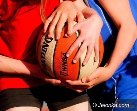 Jelenia Góra: Turniej Koszykówki Letnia Liga MOS 2011