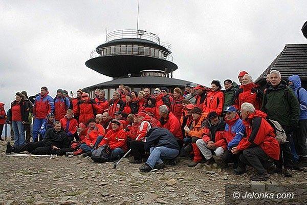 Śnieżka: 330 pielgrzymka na szczyt. Po uroczystościach na Śnieżce