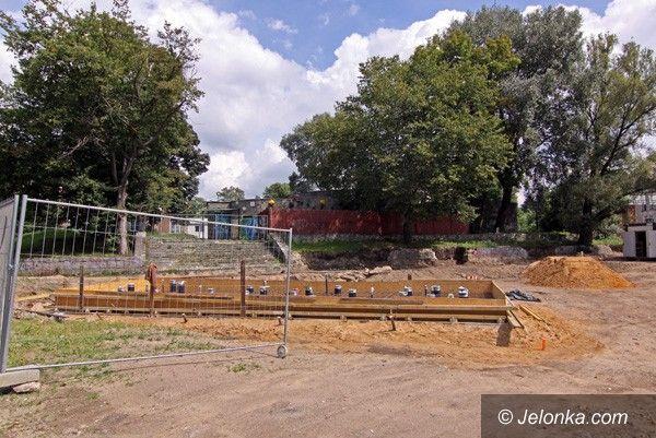 JELENIA GÓRA: Nowa fontanna będzie gotowa jesienią