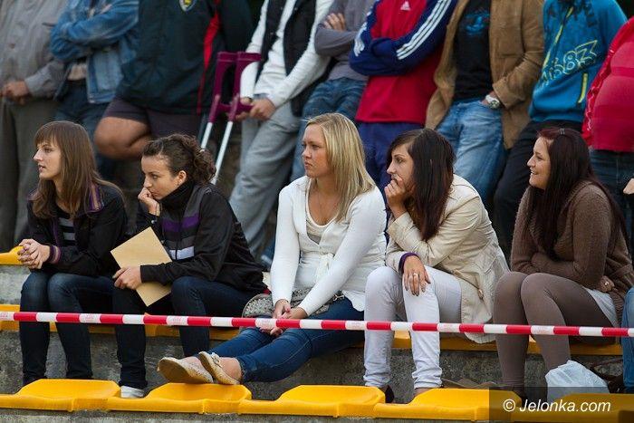 IV-liga piłkarska: Karkonosze kontunuują passę zwycięstw u siebie