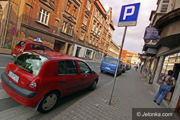 JELENIA GÓRA: Było zakazane, jest dozwolone. Parkowanie przy ulicy Wolności