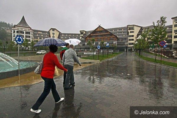 JELENIA GÓRA: Hotel musi być niższy, pokrycie dachu zostanie