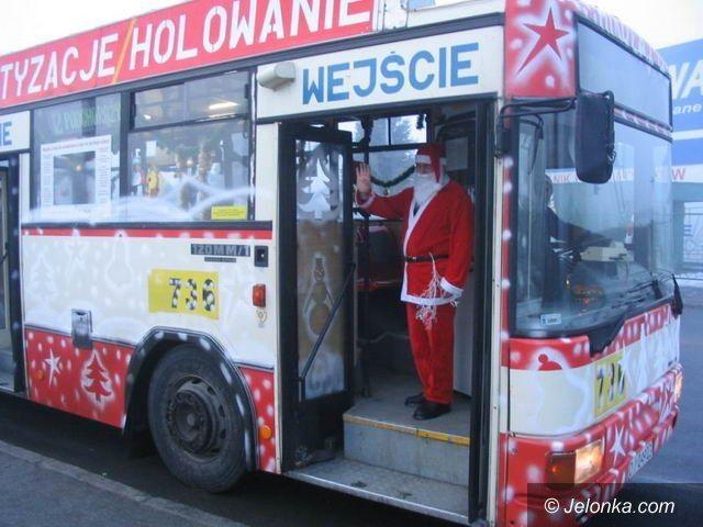 JELENIA GÓRA: Święty Mikołaj kierowcą autobusu MZK