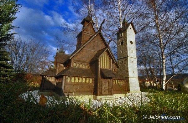 REGION KRAJ: Kowarski Park Miniatur i świątynia Wang w Karpaczu najpiękniejszymi atrakcjami Polski
