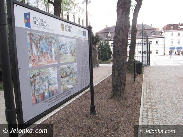 Jelenia Góra: Podzielili park, tabliczek nie dali