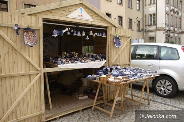 Jelenia Góra: Drewniane budki opanują Rynek?