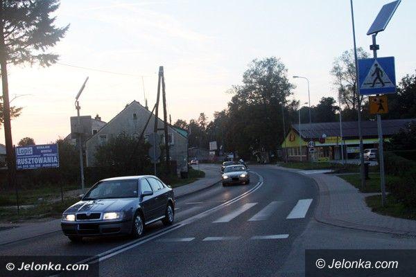 Jelenia Góra: Wywalczyli światła na przejściu w Maciejowej