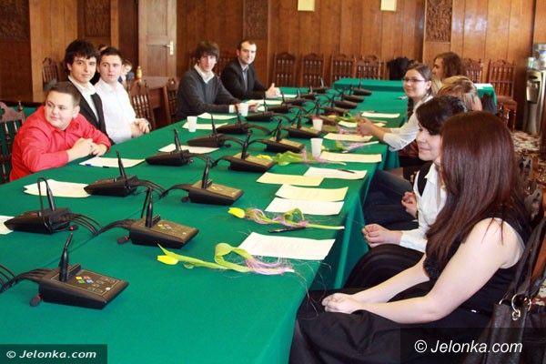 Jelenia Góra: Młodzieżowa rada o obecnym prezydencie, wyborach i Jeleniej Górze