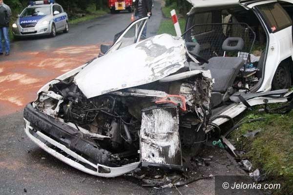"""Region: Wypadek w Kaczorowie. """"Osobówka"""" zderzyła się z autobusem"""