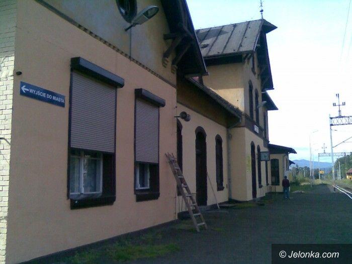 Jelenia Góra-Cieplice: PKP oznakowały wejście na peron w Cieplicach