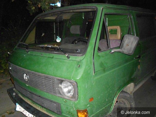 Jelenia Góra: Odzyskali auto, bo złodziej zaparkował na kopercie
