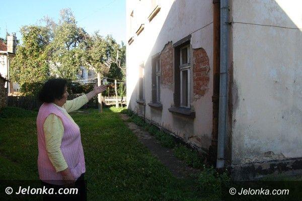 Region: Lokatorka  z ul. Kamiennej w Piechowicach: w tym domu nie da się żyć!