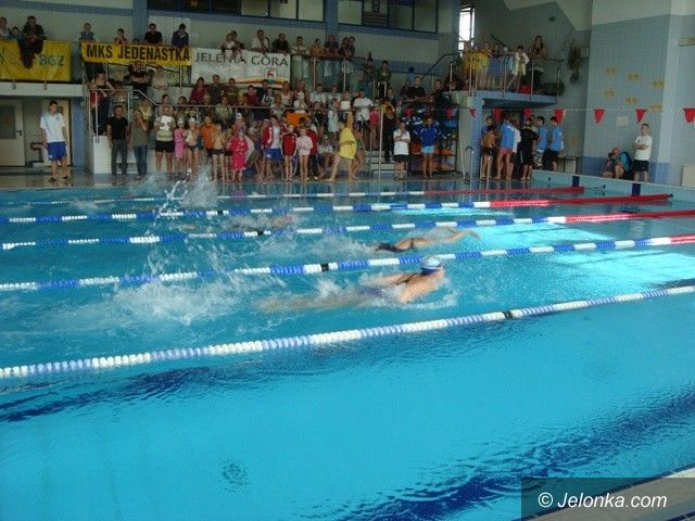 Jelenia Góra: 170 pływaków na starcie