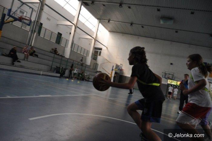 Jelenia Góra: Klasa 4 E bez porażki w Wichoś Mini Basket Lidze