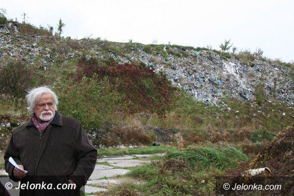 Region/Jelenia Góra: Wysypisko śmieci w Siedlęcinie porośnie trawa, jeżyny i leszczyna
