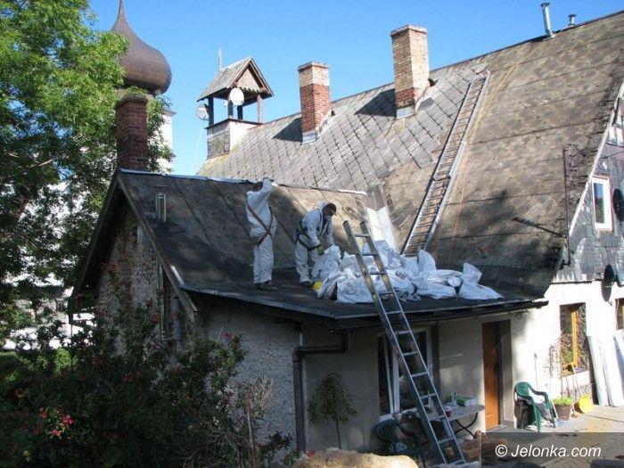 Region: W Karpaczu trwa usuwanie azbestu