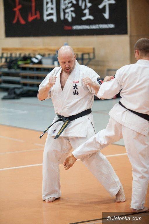 Kraków: Ogólnopolskie Seminarium szkoleniowe Oyama Karate – Rafał Majda wyróżniony