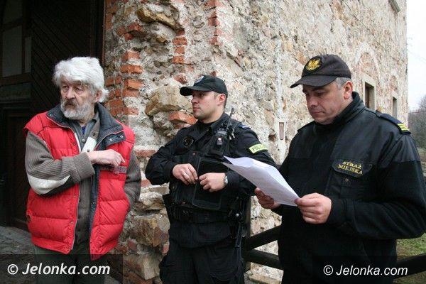 Jelenia Góra: Nie ma spokoju w Dworze Czarne. Policja jest wzywana do włamań na zamku. O co chodzi?