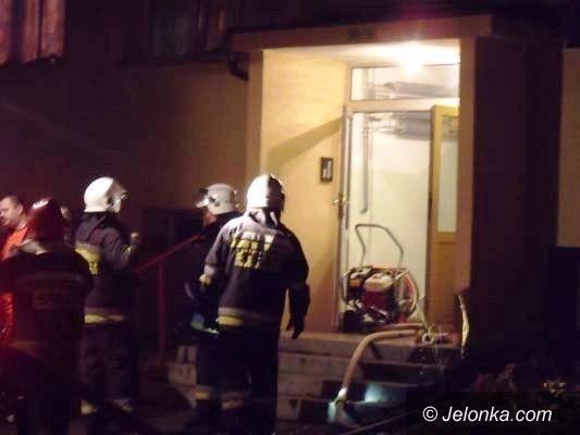 Jelenia Góra: Pożar mieszkania przy ul. Różyckiego
