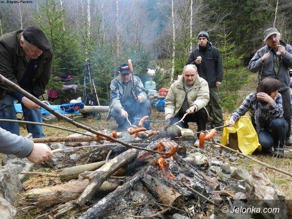 REGION JELENIOGÓRSKI: Pożegnano słońce w Budnikach na 113 dni