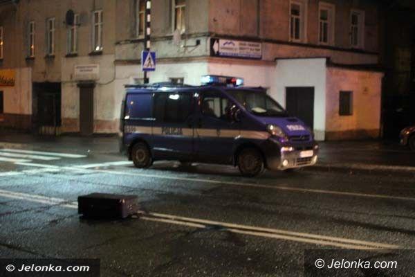 Jelenia Góra: Potrącenie 29–latki na ul. Wolności – nieprzytomna kobieta jest w szpitalu