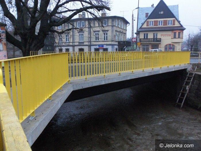 Sobieszów: Przebudowa mostu przez rzekę Wrzosówka prawie zakończona
