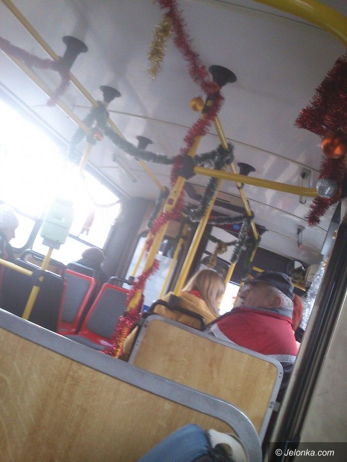 Jelenia Góra: Czytelnicy: mikołajkowy autobus, to świetny pomysł, brawo!