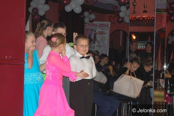 Jelenia Góra: Tancerze wirowali na parkiecie na szóstkę