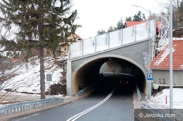 """Karpacz: Otwarto tunel pod """"Kolorową"""" i ul. Parkową w Karpaczu"""