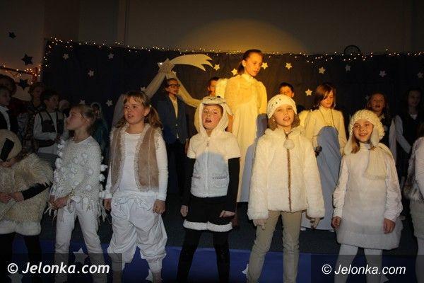 Karpacz: Piękne jasełka i świąteczna atmosfera  w Szkole 707