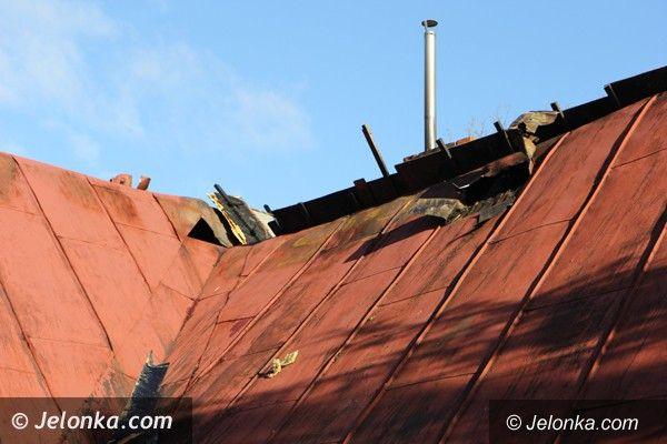 Karpniki: Pożar budynku w Karpnikach – małżeństwo straciło dach nad głową