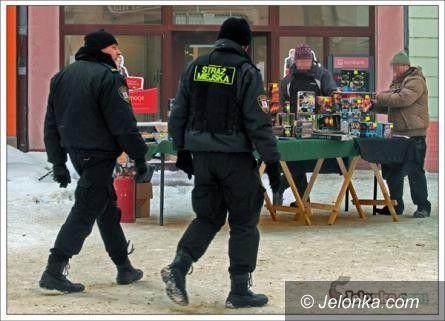 Jelenia Góra/region: Sprzedaż i używanie fajerwerków pod lupą policji i straży miejskiej