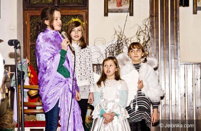 Jelenia Góra: Jasełka i kolędy w goduszyńskiej kaplicy