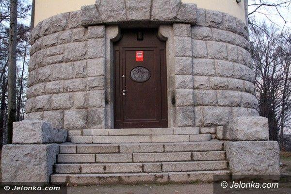 Jelenia Góra: Grzybek zamknięty – turyści rozczarowani