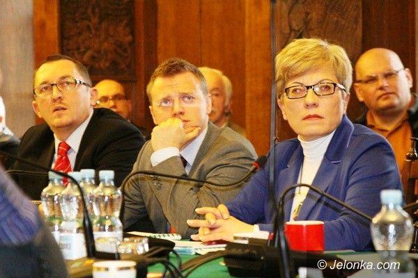 Jelenia Góra: Rozważania na sesji – co zdaniem radnych czeka Jelenią Górę w 2013 roku