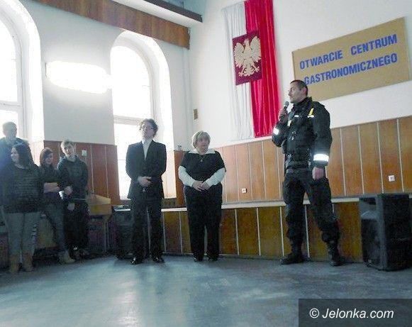 Jelenia Góra: Koniec ze śmieceniem przed szkołami