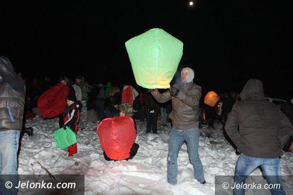 Jelenia Góra: Światełkiem do nieba rodzina, przyjaciele i znajomi pożegnali tragicznie zmarłego Daniela