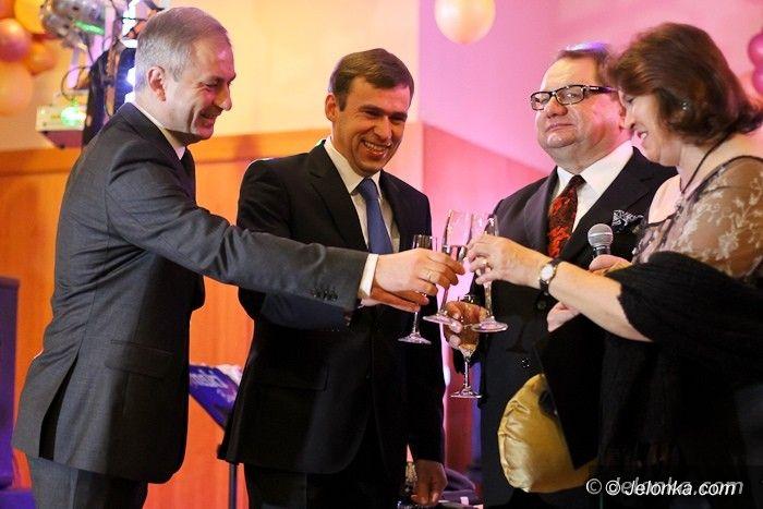 Jelenia Góra: Zbierali pieniądze dla zdolnej młodzieży na XVII Balu Charytatywnym im. Jerzego Szmajdzińskiego