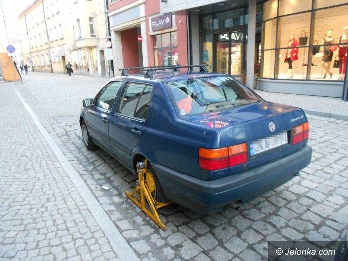 Jelenia Góra: Stanowisko straży miejskiej w sprawie parkowania przy ul. Jasnej